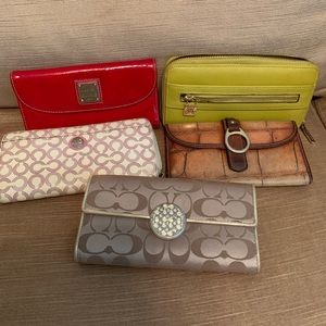 ALL WALLETS SHOWN ONE PRICE